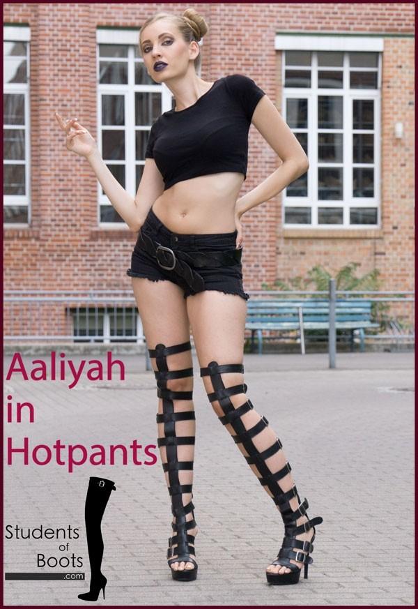 Aaliyah in Hotpants