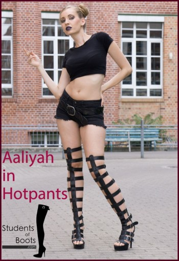 Aaliyah in Hotpants