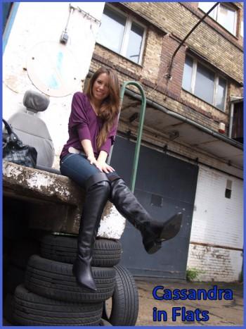 Cassandra in flat boots