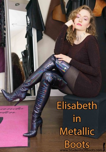 Elisabeth in Metallic Boots