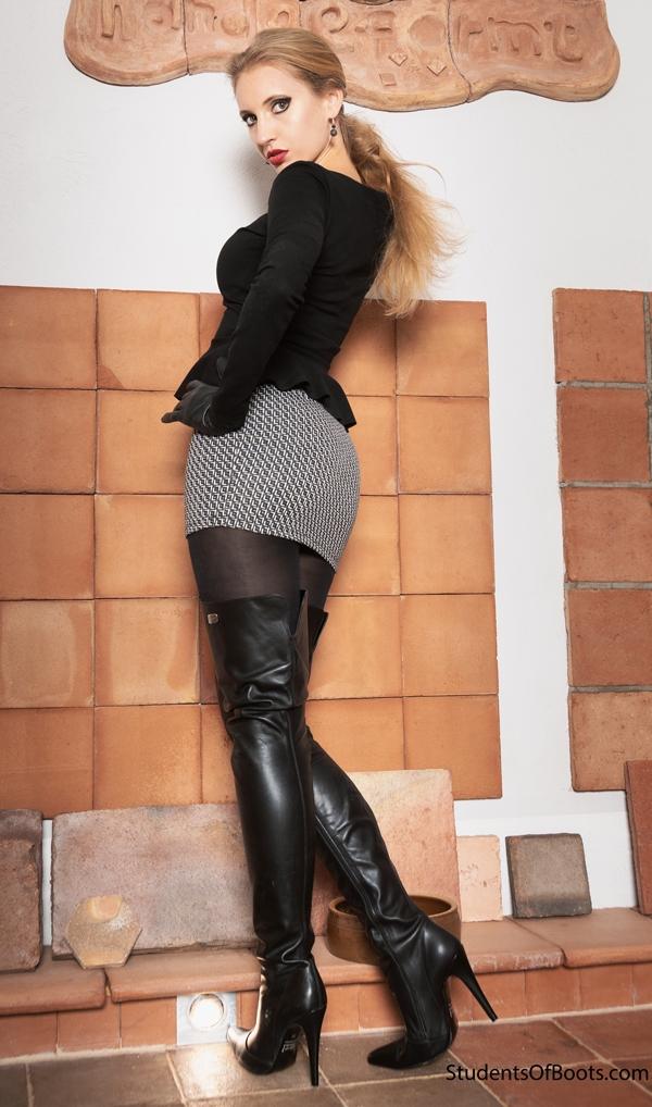 Aaliyah Black OTK